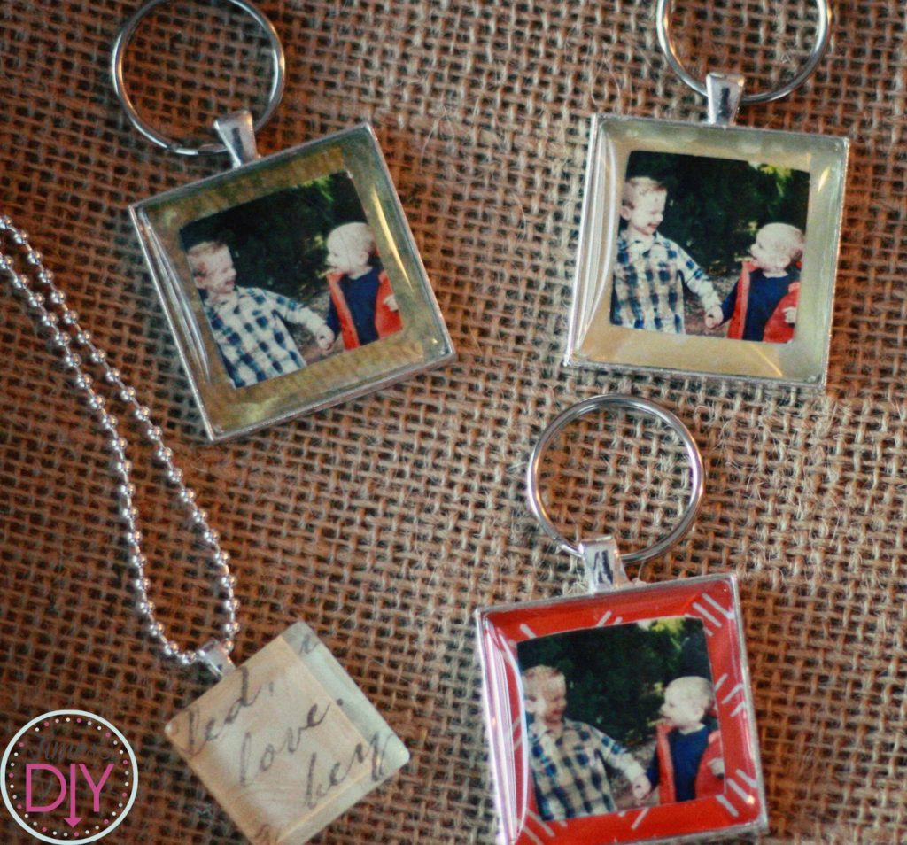 12 days of homemade holiday gifts day 9 photo keychains time to diy we created personalized glass tile pendants at mops a couple months ago and they were a big hit afterward my friend got some glass tile keychains so i jeuxipadfo Image collections