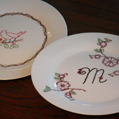 12 Days of Homemade Holiday Gifts Day 11 – Dot-Painted Dishes