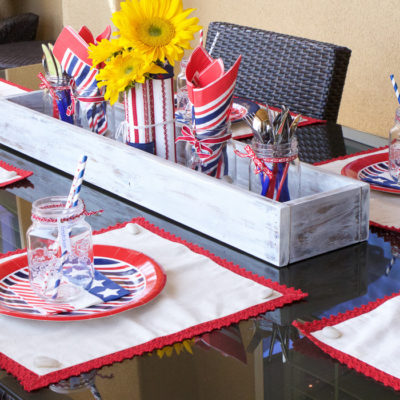 Simple Seasonal Saturdays: Patriotic Tablescape Ideas