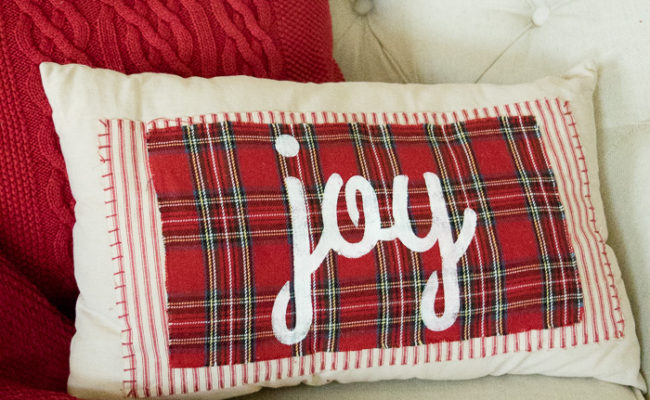 No-Sew Christmas Pillows